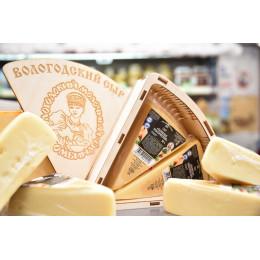 Сыр Пармезан классический 50% ~ 300 гр в в/у ВМК цена - 1839 руб